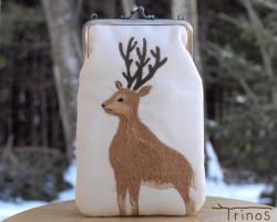 smartphone-porch-deer